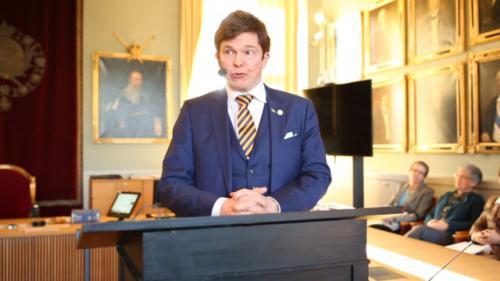 Andreas Norlén talar om regeringsbildningen från ett konstitutionellt/statsrättsligt perspektiv på SvJT:s vårmöte